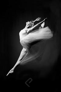 1500-4002 Ballerina - Grace In Motion