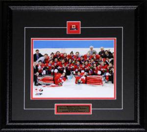 2014 canada_womenhockey_8x10