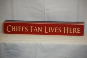 WS9156RD-Chiefs Fan Lives Here – 2′ Sign – Red